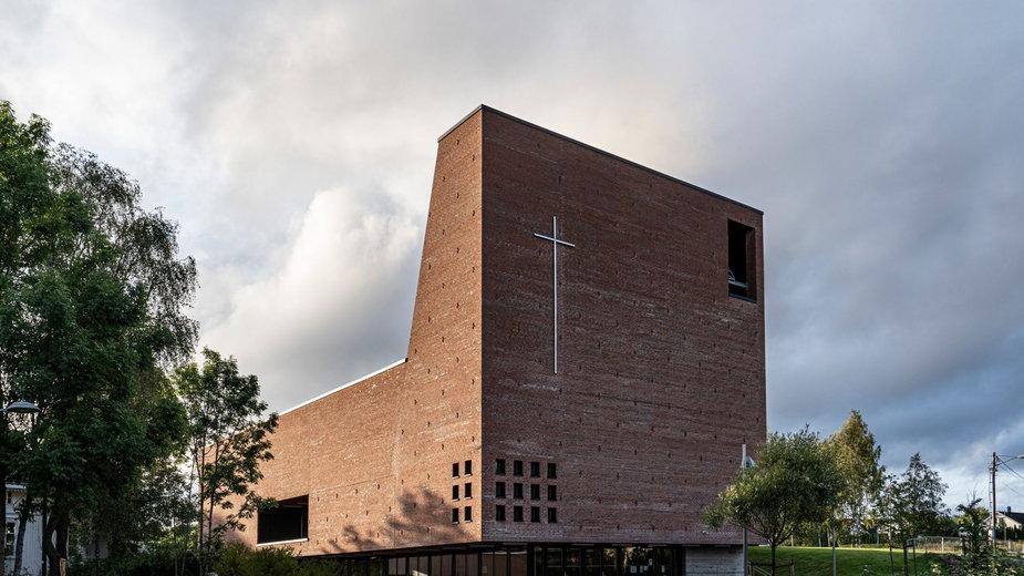 Ceglany kościół w mieście Spikkestad w Norwegii