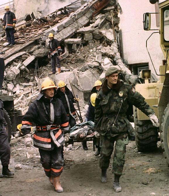 Posledice bombardovanja zgrade RTS
