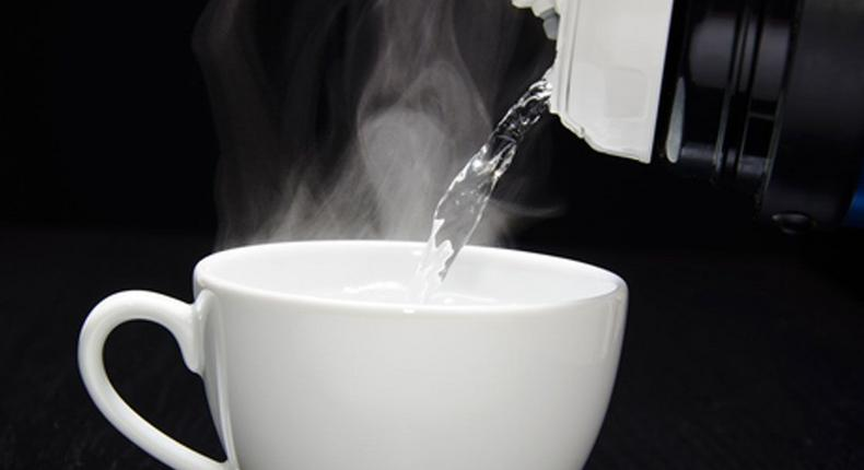 Side effects of drinking hot water too frequently [Pintetrest]