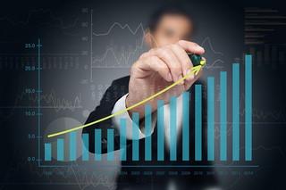 Fundusze inwestycyjne: Zagranica zarządza taniej