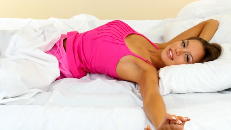 Łóżko wodne wygodne dla kobiet w ciąży