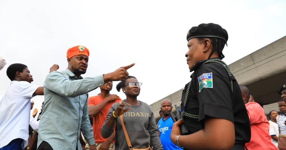 #RevolutionNow protest: Police arrest The Nations correspondent in Calabar - Pulse Nigeria