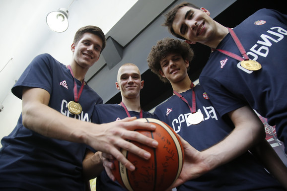 Petrušev, Paunović, Trifunović i Pecarski u redakciji
