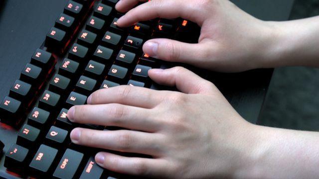 Klawiatury gamingowe Typ klawiatury: Membranowa niskie