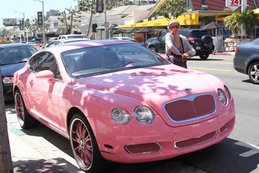 Różowy Bentley Paris Hilton
