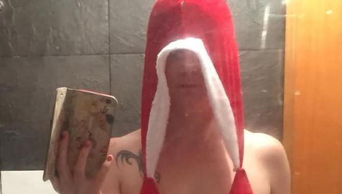 """Ni """"s"""" od seksi Deda Mrazice"""