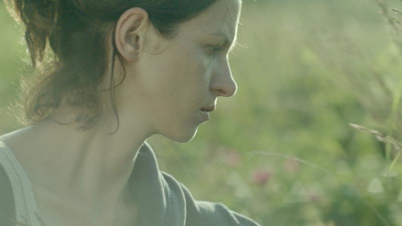 """""""Dzikie róże"""": kadr z filmu"""