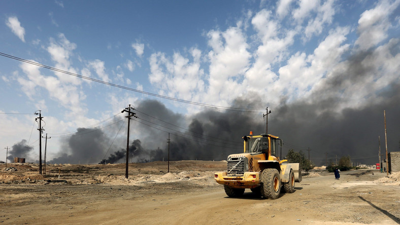 """W wyemitowanej w poniedziałek wypowiedzi dla państwowej telewizji Abadi oświadczył: """"Otoczymy Daesz (arabski akronim IS) ze wszystkich stron. (...) Nie będą mieli drogi ucieczki""""."""