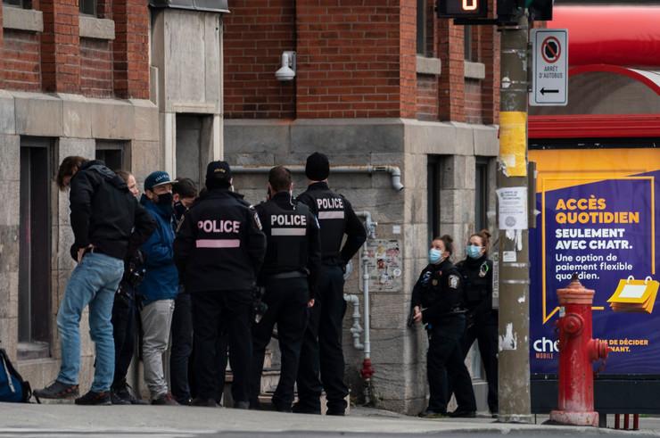 Policija Montrel taoci