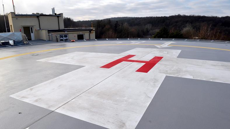 """Uroczyste otwarcie pawilonu 20 wraz ze Szpitalnym Oddziałem Ratunkowym dla Dzieci odbyło się w środę w szpitalu """"Zdroje"""" w Szczecinie. Otwarto również lądowisko dla helikopterów."""