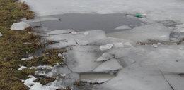 Pod dwiema dziewczynkami załamał się lód. Nie żyje mężczyzna, który je ratował