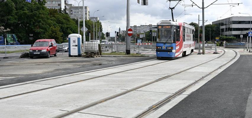 Torowiska wypiękniały, tramwaje i autobusy wróciły