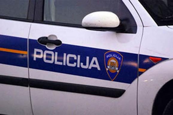 Muškarac u Hrvatskoj se zabarakadirao u kući i PRETI da će sve DIGNUTI U VAZDUH