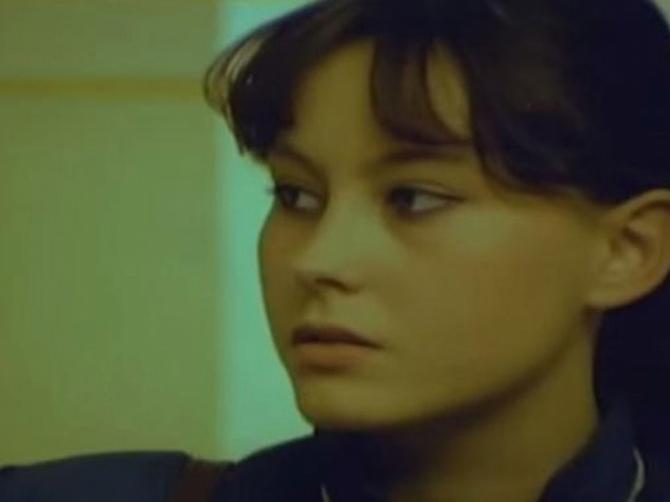 """Sa 13 godina se prvi put poljubila i to PRED KAMERAMA: Marija iz """"Žikine dinastije"""" posle 40 godina i životne TRAGEDIJE izgleda ovako!"""