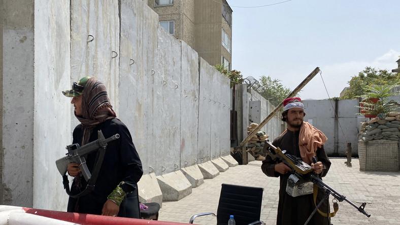 Talibscy bojownicy w Kabulu