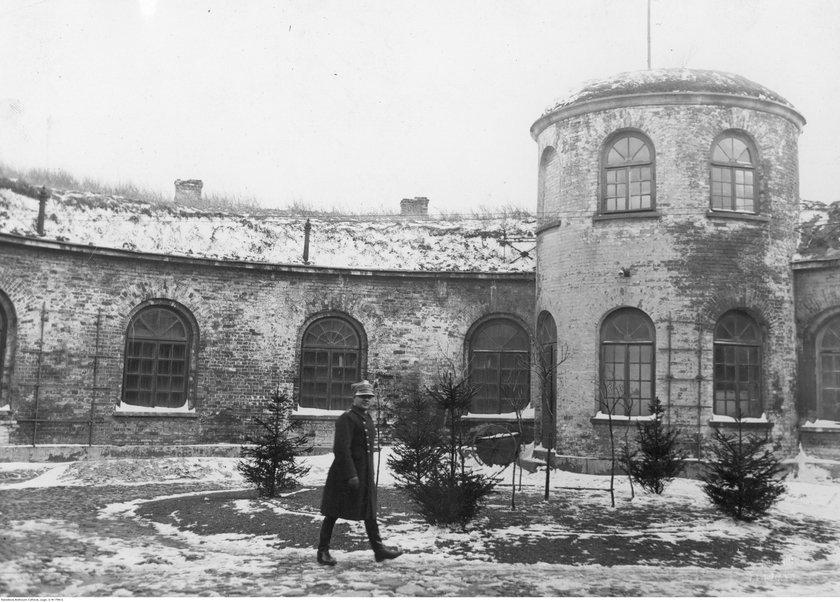 Siedziba Centralnego Archiwum Wojskowego w Forcie Legionów