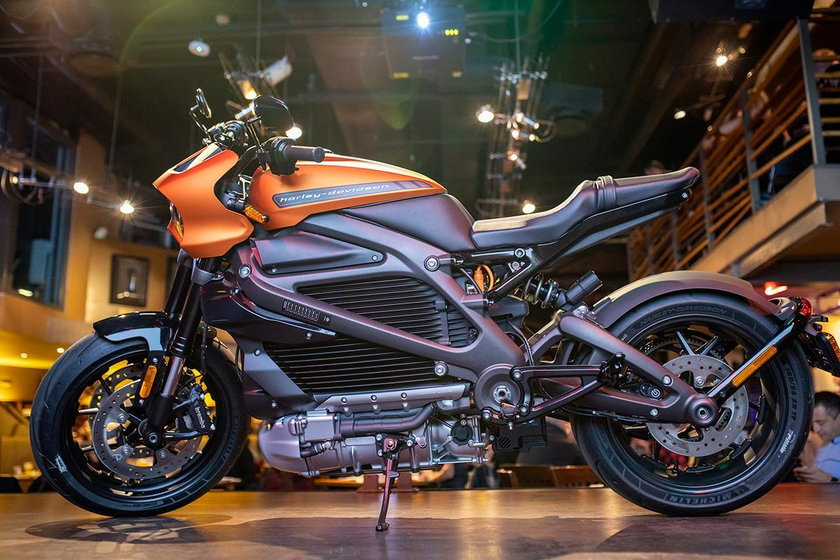 Koniec świata! Harley Davidson stawia na elektryki!