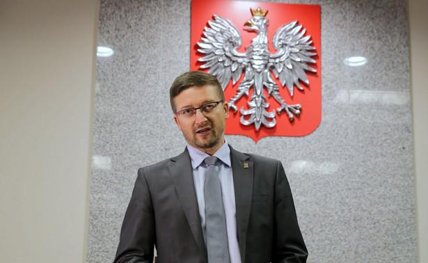 """""""(…) prawo stron do rzetelnego procesu jest dla mnie ważniejsze od mojej sytuacji zawodowej. Sędzia nie może bać się polityków, nawet jeśli mają wpływ na jego karierę"""" – oświadczył wczoraj Paweł Juszczyszyn, sędzia Sądu Rejonowego w Olsztynie."""