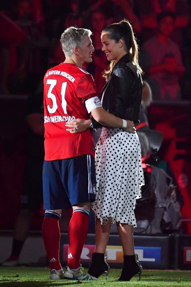 Ana sa suprugom