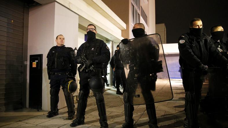 Są zatrzymania w związku z zamachem w Paryżu. Nocna akcja służb
