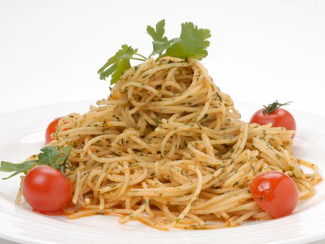"""Špageti − Aglio e Oglio: """"Špageti buketi"""""""