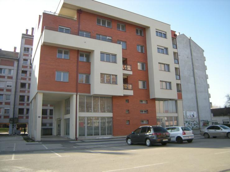 kikinda_zgrada C-2 u centru grada_socijalni i kadrovski stanovi_210217_foto rada segrt RAS srbija 001
