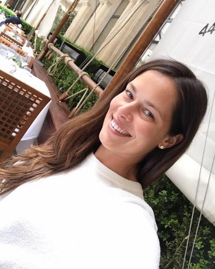 Ana Ivanović PONOVO ČEKA BEBU, a pre samo nekoliko meseci je OVAKO ODGOVORILA na pitanje o drugom detetu