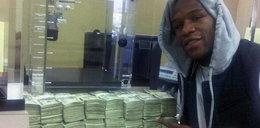 Pół miliarda złotych w rok! Rekordowe zarobki boksera