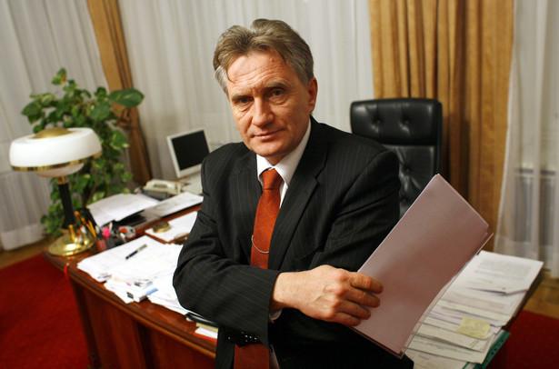 Piotra Woźniaka będzie kontrolował zespół składający się m.in. z przedstawicieli resortów skarbu i spraw zagranicznych.