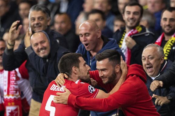 Degenek slavi izjednačujući gol na utakmici Jang Bojs - FK Crvena zvezda