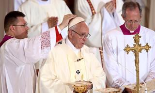 Papież podczas mszy w Centrum św. Jana Pawła II: Jezus pragnie, aby Kościół wychodził w świat w postaci sługi