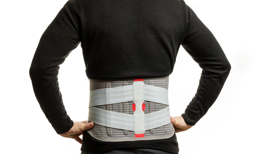 Cierpisz na ból pleców? Pomocny może być pas lędźwiowy