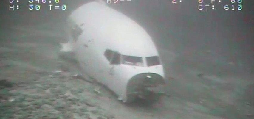Boeing zawrócił nad oceanem i zniknął z radarów. Pokazano zdjęcia wraku z dna
