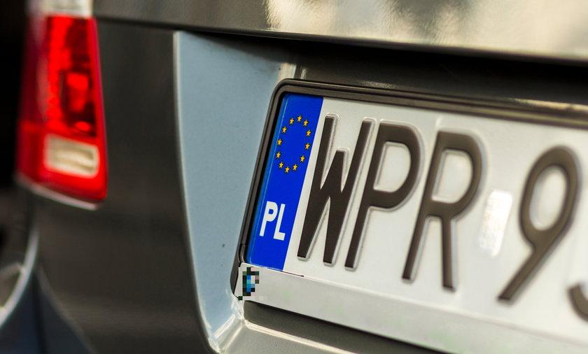 """Trzeba pamiętać, że w pewnych przypadkach służby posługują się też samochodami na """"cywilnych"""" numerach"""