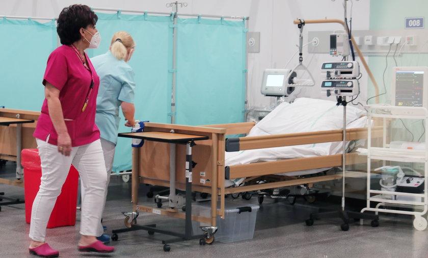 Wojewoda zdecydował o zwiększeniu liczby łóżek w szpitalu tymczasowym do 112.
