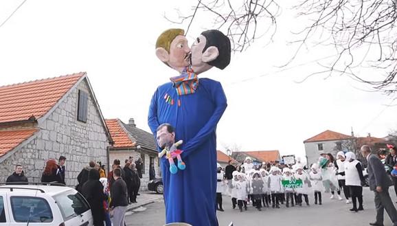 Lutke gej para i bebe sa likom Nenada Stazića