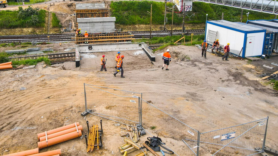 Budowa wiaduktu w ciągu ul. Gołężyckiej, fot. PIM