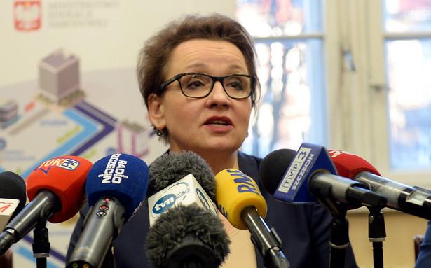 Minister edukacji narodowej Anna Zalewska po spotkaniu w I Liceum Ogólnokształcącym w Szczecinie.