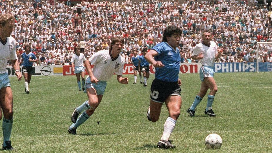 Diego Maradona w meczu z Anglią w dniu 22 czerwca 1986 r.