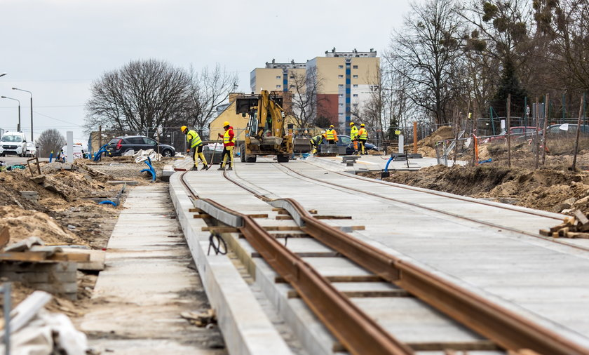 Znów trzeba dołożyć pieniądze do budowy trasy tramwajowej na Naramowice.