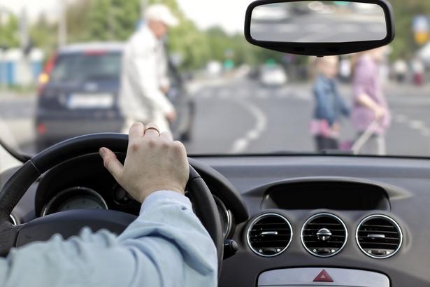 Nagrania są wykorzystywane także w inny sposób. Otóż kierowcy coraz częściej zgłaszają organom ścigania fakt naruszenia przepisów
