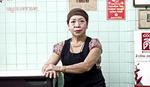 Ona ima 70 godina, kuva nasred ulice sa skijaškim naočarima na glavi i upravo je dobila MIŠLENOVU ZVEZDICU