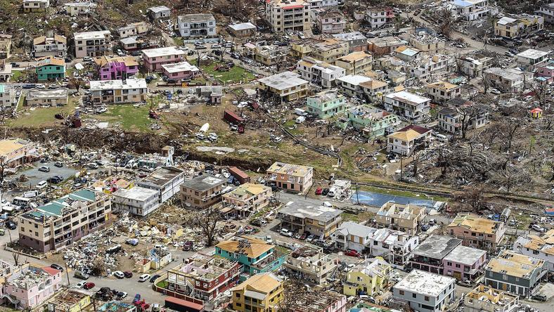 Zniszczenia po huraganie na Karaibach