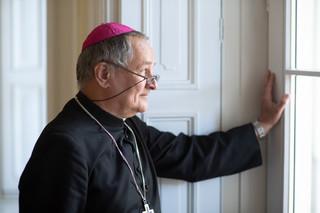 Ks. Janocha: Księża nie są z Księżyca. Homoseksualizm jest problemem wśród kapłanów
