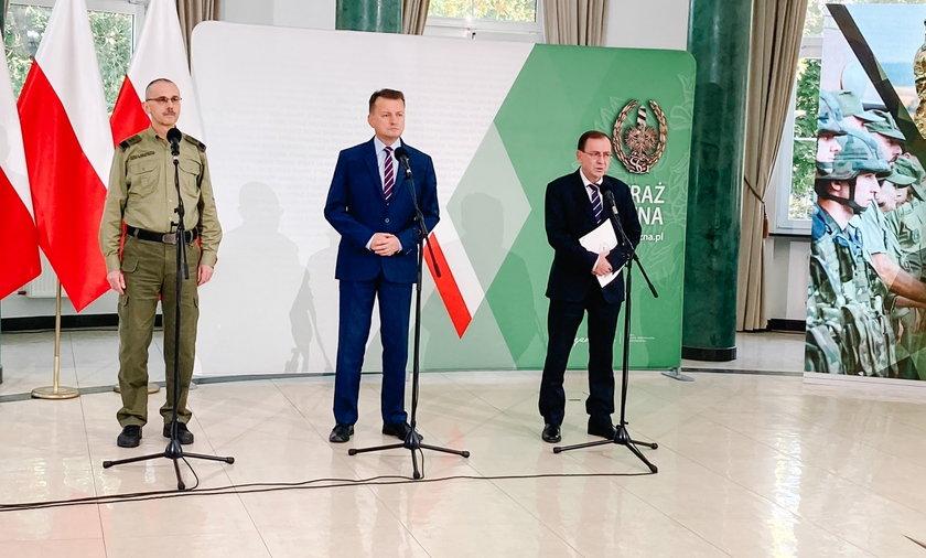 Ministrowie Mariusz Błaszczak i Mariusz Kamiński przedstawili szokujące dowody potwierdzające, co znaleziono w telefonach zatrzymanych migrantów.