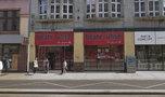 Likwidacja znanego sex shopu we Wrocławiu. Ludzie rzucili się na wibratory. Nurkowali nawet w śmietniku