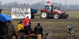 """Rolnicy blokują budowę """"7""""! Nie dostali pieniędzy"""