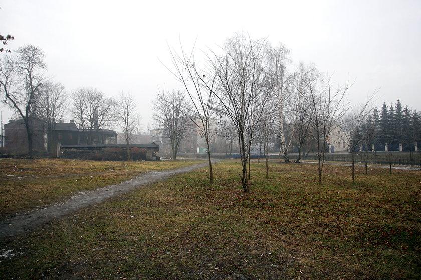 Plac przy ul. Obrońców Westerplatte w K-cach