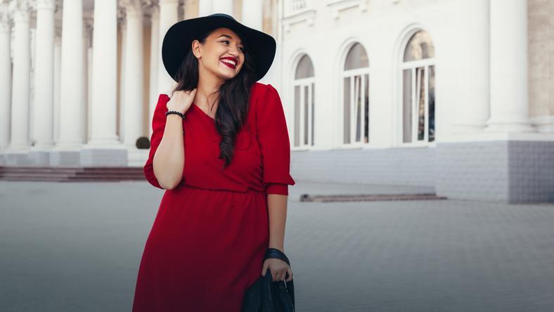 de29099f77 Modne sukienki dla kobiet plus size za mniej niż 150zł - Kobieta