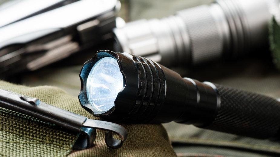 Przegląd praktycznych i niedrogich latarek